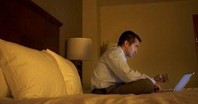 Photo of Смартфонам і планшетам в спальні не місце?