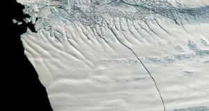 В Антарктиці знайдені гігантські канали з теплою водою