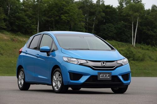 Гібридний Honda Fit Hybrid став автомобілем року в Японії (1)