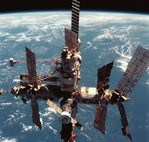 До чого призводить загравання з космосом