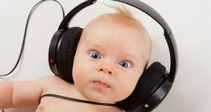 Вчені: прослуховування Моцарта активізує мозкову активність