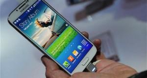 Galaxy S5 буде реагувати на рух голови і підморгування очей