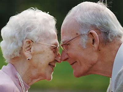 Photo of Вчені з'ясували, що люди вибирають собі подружжя зі схожою ДНК