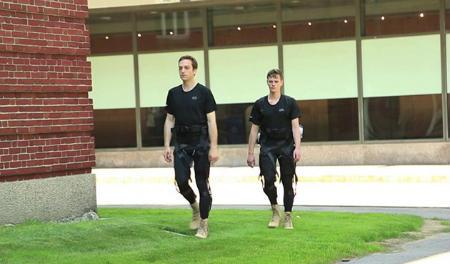 Photo of Вчені з Гарварда розробили новий практичний екзоскелет