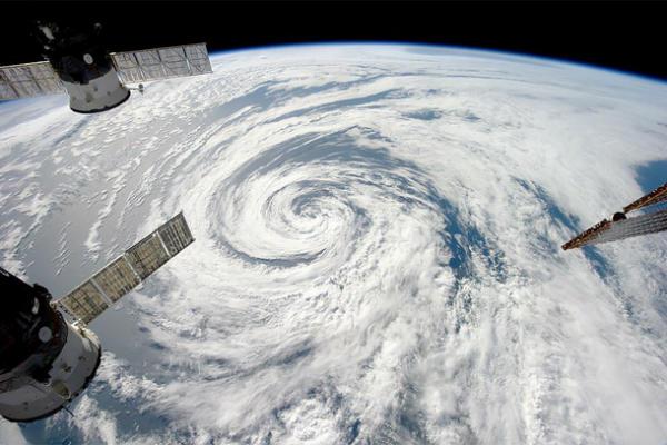 Photo of Хмари з космосу: Якою бачать Землю космонавти МКС