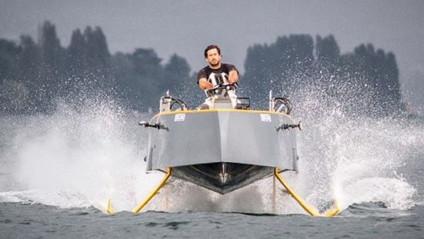 Photo of Перший в світі катер, що ширяє над поверхнею води (фото+відео)