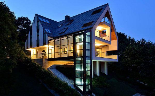 Photo of Приголомшливий будинок зі скляним ліфтом від польських архітекторів