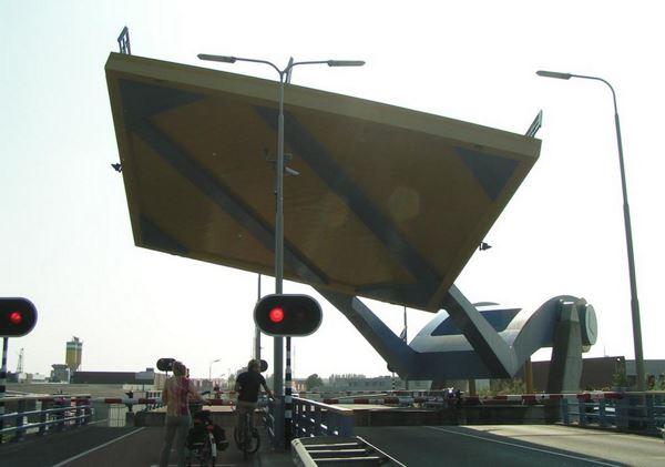 Photo of Слауерхоф: «літаючий» міст в Нідерландах