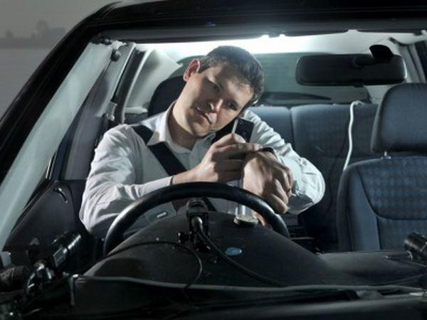 Photo of Натільні пристрої відволікають водіїв більше від смартфонів