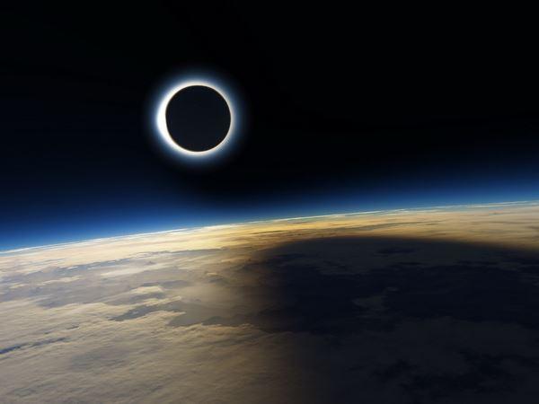 Photo of Затемнення, вид з космосу (відео)