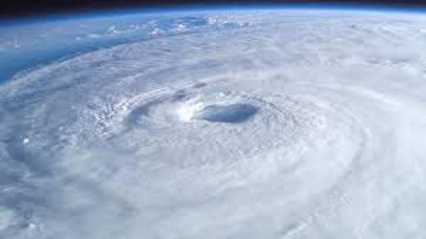 Photo of Неймовірна енергія бурі на Землі: зйомки з космосу (відео)