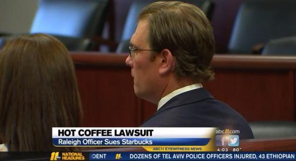 Photo of У США поліцейський, який обпікся кавою, зажадав від Starbucks 50 тисяч доларів