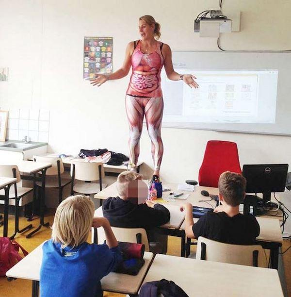 Photo of Вчителька в Нідерландах влаштувала учням «анатомічний стриптиз»
