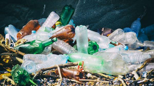 Photo of Більша частина пластику потрапляє в океан з цих країн