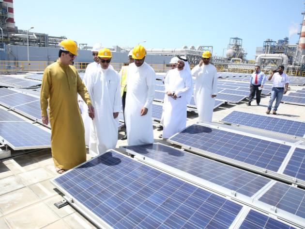 Photo of У Дубаї відкрили будівлю з рекордною кількістю встановлених сонячних батарей