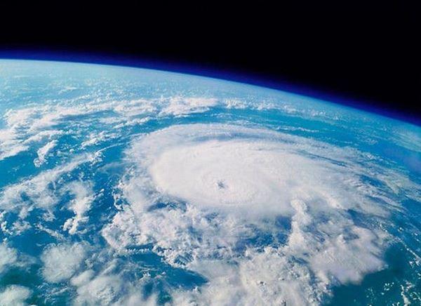 Photo of З МКС зняли відразу 3 урагану (відео)