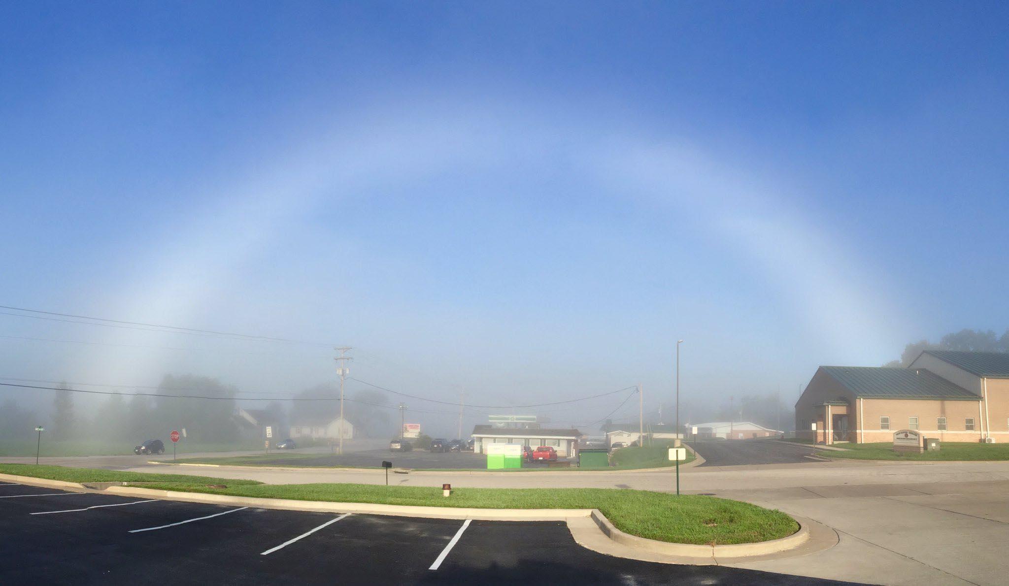 Photo of В американському штаті Міссурі з'явилася туманна веселка (фото)
