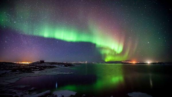 Photo of Дрон зняв північне сяйво в небі над півостровом Рейкьянес в Ісландії (відео)
