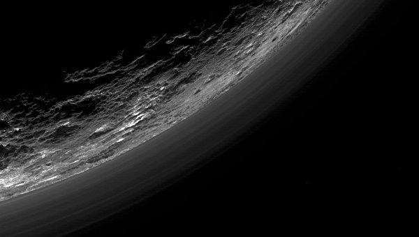 Photo of Зонд New Horizons прислав фотографії незвичайної карликової планети