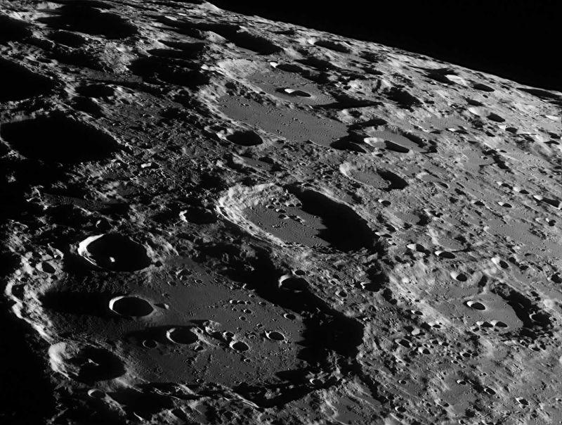 Photo of NASA задіює приватні компанії для доставки вантажів на Місяць