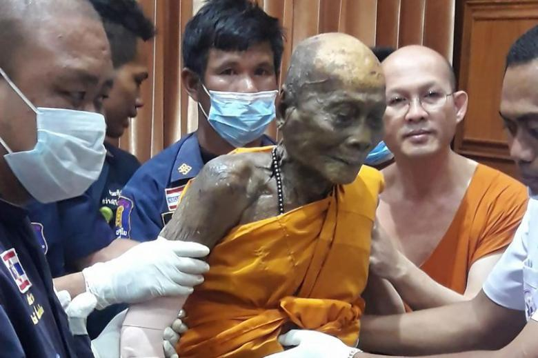 Photo of Буддійський монах посміхнувся через два місяці після своєї смерті