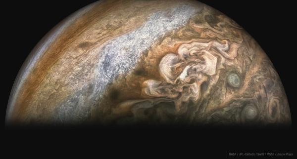 Photo of Після 11-го прольоту над Юпітером Juno NASA передав нові знімки газового гіганта