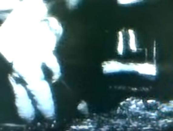 Photo of Американські астронавти виявили на Місяці міста інопланетян
