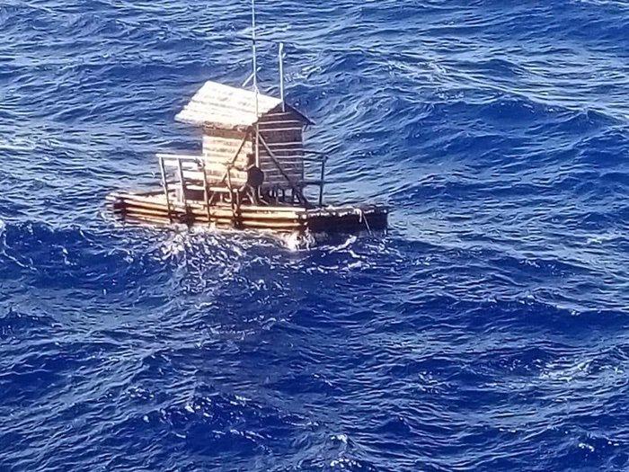 Photo of Підліток майже 50 днів дрейфував у відкритому морі і вижив