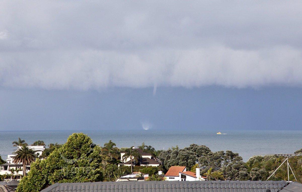 Photo of Біля берегів Нової Зеландії спостерігали 4 водяних смерчи