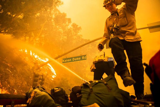 Photo of Природну пожежу в Каліфорнії визнали найбільшою в історії штату