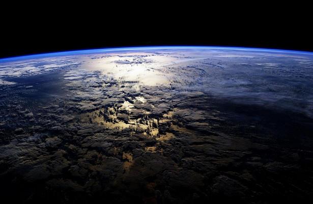 Photo of Земля поринула в ураган з темної матерії