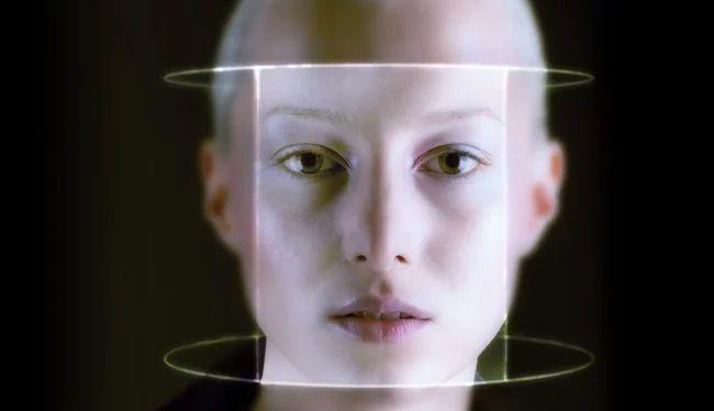 Photo of Штучний інтелект Amazon звинуватили в упередженості до раси людини