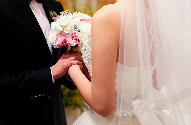 Photo of Вчені розповіли про вплив шлюбу на здоров'я чоловіків і жінок