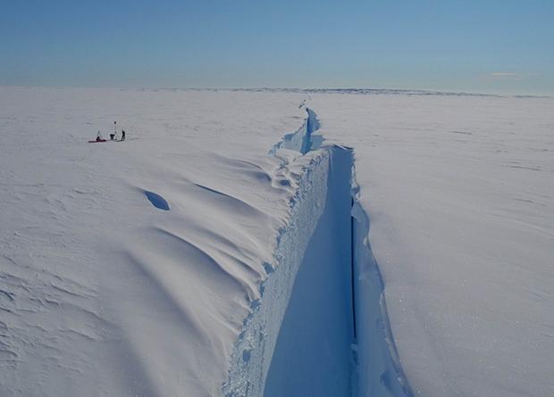 Photo of Розкол антарктичного льодовика Бранта пояснили природними причинами