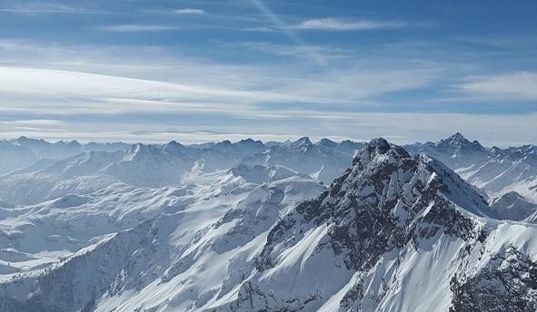 Photo of До 2050 року зникне половина альпійських льодовиків