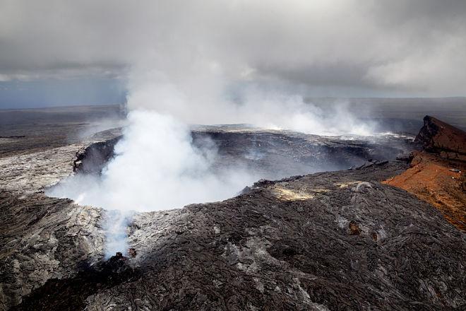 Photo of Чоловік вижив після падіння у кратер найбільш небезпечного вулкана на Землі