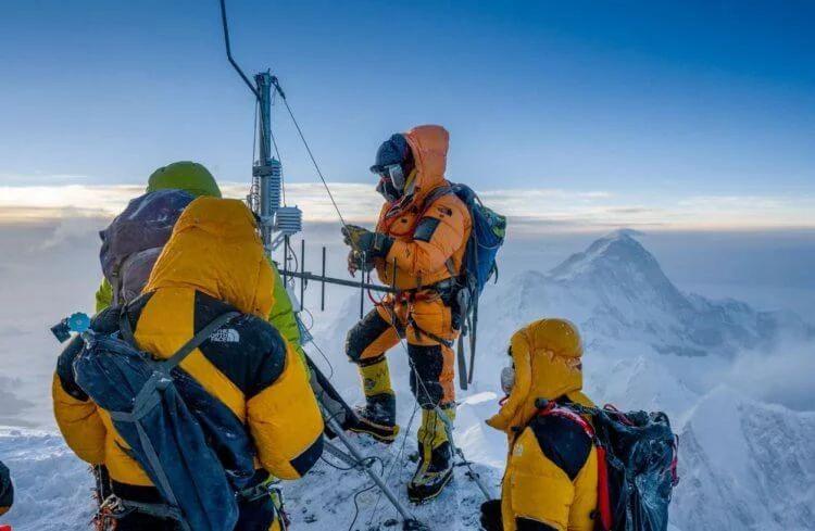 Photo of На Евересті встановили найвисокогірнішу метеостанцію у світі