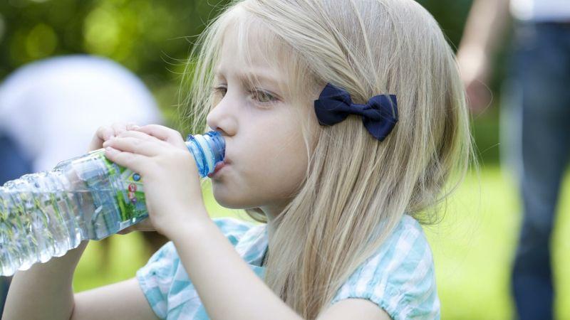 Photo of Поліпшити когнітивні здібності дітей може звичайна питна вода