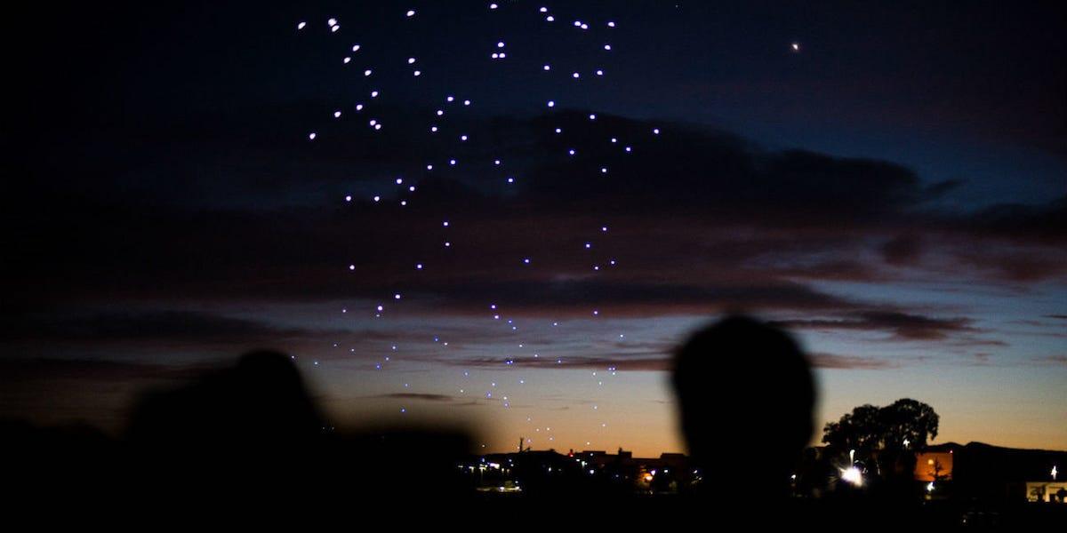 Photo of Над американськими містами ночами літають гігантські безпілотники — ніхто не знає, звідки вони взялися