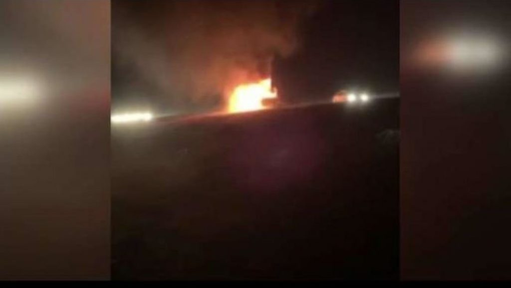 Photo of Вантажівка вибухнула від удару блискавки