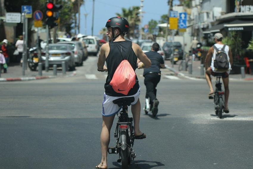 Photo of Їзда на роботу на велосипеді продовжує життя