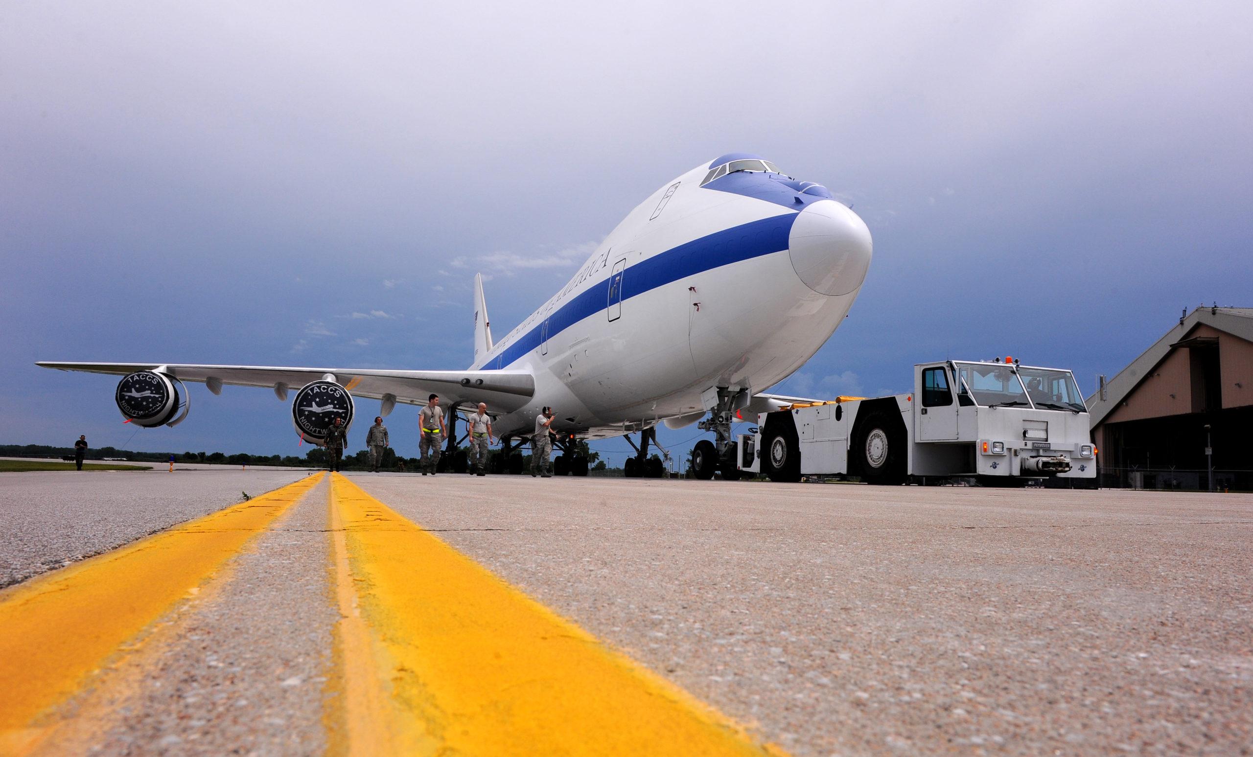 Photo of Відео: інтер'єр «літака Судного дня» в деталях