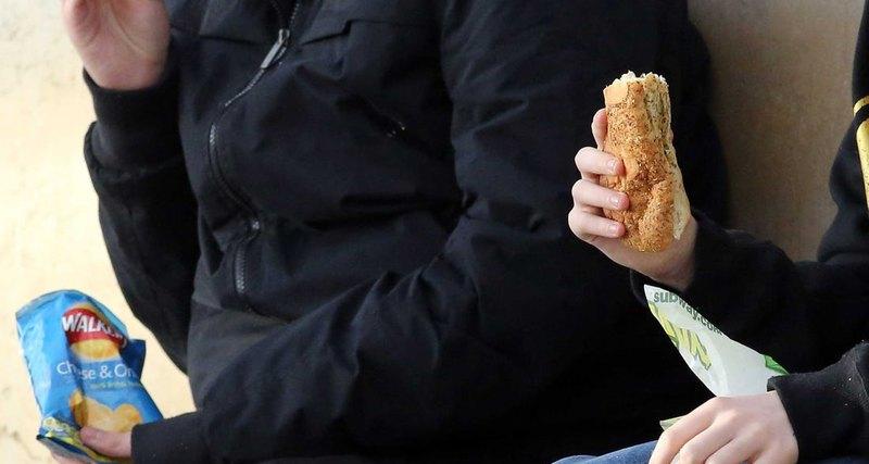 Photo of Дієтологи визнали ожиріння заразним