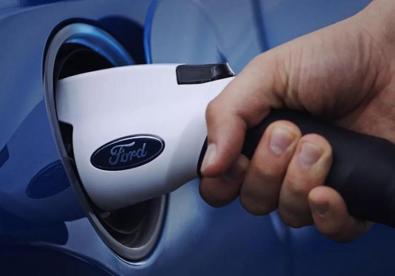 Photo of Електромобілям Ford пообіцяли «скейтборд»