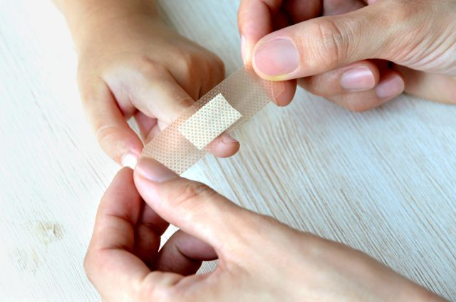 Photo of Створено пластир, який розпізнає стійкі до антибіотиків бактерії