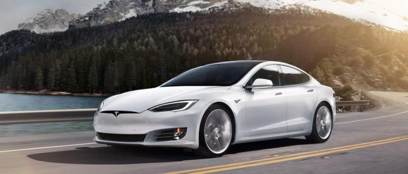 Photo of Tesla додасть нові функції в свої електромобілі