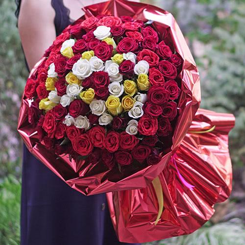 Photo of Аренда букетов: как заказать цветы с доставкой в Киеве для селфи?