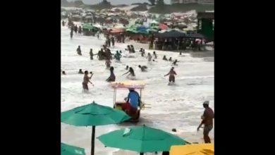 Photo of Великі хвилі несподівано обрушилися на бразильські пляжі