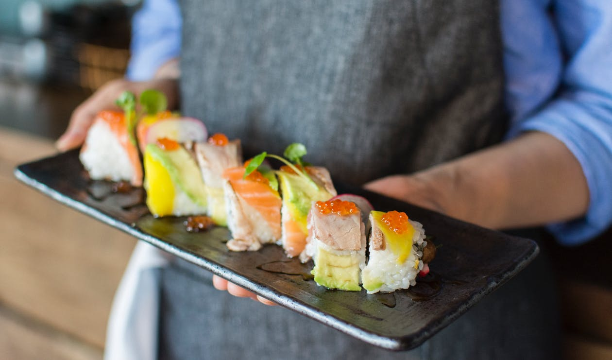 Photo of Интересные факты о коронных блюдах восточной кухни: секреты роллов и суши