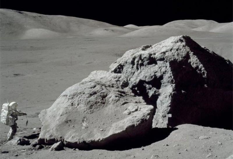 НАСА пытается решить проблему лунной пыли